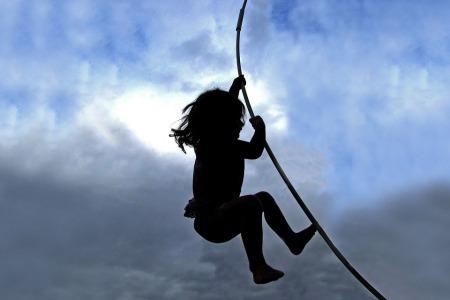 trampoline-1744487_960_720